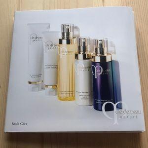 Cle de Peau basic care deluxe sample set, 8 items